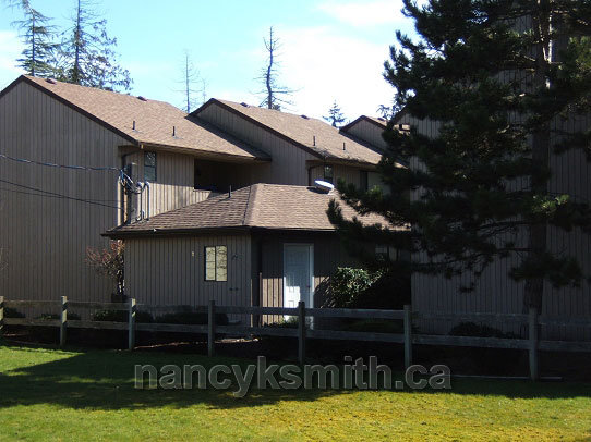 Photograph of a Qualicum Beach townhome